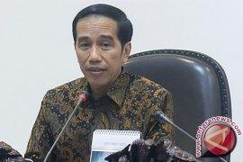 Presiden Jokowi meminta peraturan yang tidak perlu dihapus