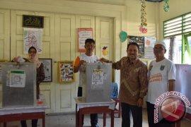 Khairul Saleh Mencoblos Di Kelurahan Jawa