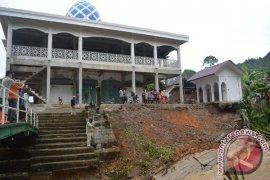 Masjid di Abdya Terancam Amblas