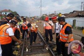 PT KAI Daop Jember Inspeksi Jalur KA Jelang Natal
