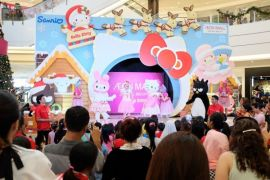 AEON MALL BSD CITY bersama Hello Kitty & Friends meriahkan perayaan Natal
