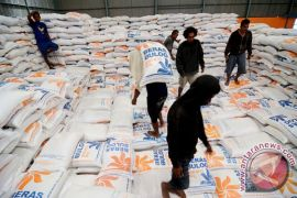 Bulog Sulteng gelar operasi pasar tekan harga beras