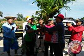 PDAM Bandarmasih Develop sugar Palm in Green Open Space