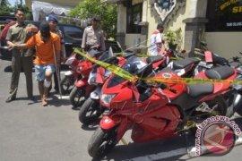 Polisi Buleleng Menangkap Pelaku Curanmor Wilayah Kota