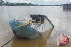 Tiga korban kecelakaan di sungai Batanghari hilang