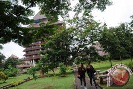UI Kukuhkan Dua Guru Besar Fakultas Kedokteran