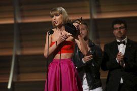 Taylor Swift - Tom Hiddleston pergi ke Australia