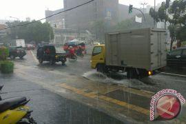 Tips tetap bugar selama musim hujan