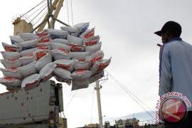 Bulog ditugaskan impor beras, paling lambat tengah Februari