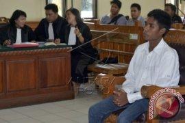 Hakim Hukum Agustay Hamdamay 10 Tahun Penjara