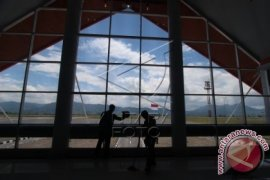 Aktivitas Bandara Rembele tak terganggu debu vulkanik