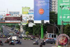 Djarot Hidayat perintahkan jajaran bongkar papan reklame kedaluwarsa