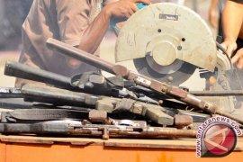 Ratusan senpi rakitan dimusnahkan di Jambi