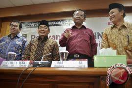 Regulasi di Indonesia terlalu gemuk, tumpang tindih, sarat benturan