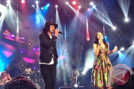 Mocca bocorkan lagu duet bersama vokalis Burgerklill