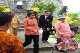 Putri Thailand Bawa 115 Warganya ke Ternate