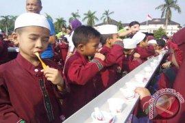 Ribuan anak sikat gigi peringati hari kesehatan mulut