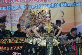 Pertunjukkan Seni Budaya Sunda Ramaikan Hut Jayapura