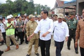Jokowi nyatakan siap lanjutkan program pembangunan nasional di Kalimantan Barat