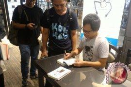 Berkat topeng monyet, Eka Kurniawan rampungkan novel keempat Page 1 Small