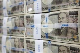 Dolar diperdagangkan di paruh atas 112 yen