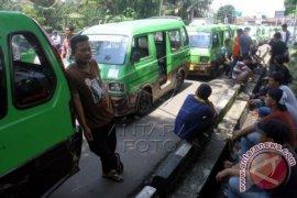 Sopir Angkot Kota Bogor Gelar Aksi Damai
