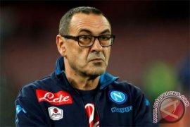Maurizio Sarri masih bimbang tentukan sikap