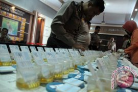 127 Anggota Polres Ngawi Jalani Tes Urine