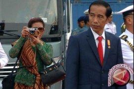 Di Padang, Jokowi sidak KIS dan BPJS ke RSUD Djamil