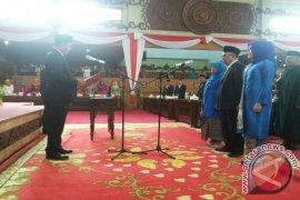 Ketua DPRD lantik tiga dewan PAW