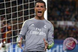 Ronaldo kembali berlatih jelang El Clasico