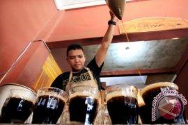 Jokowi-Iriana berdialog dengan pengusaha di warung kopi