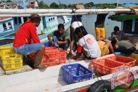 Pemerintah Bangka Bantu Nelayan Alat Tangkap Ikan