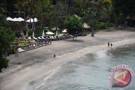 Belasan kapal pesiar dijadwalkan kunjungi Lombok Page 1 Small