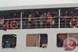 Ribuan TKI Malaysia pulang jelang Ramadhan Page 1 Small