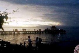 Habiskan Musim Liburan di Pantai Falajawa Ternate