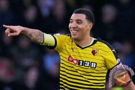 Deeney inspirasi Watford tekuk Burnley 3-1