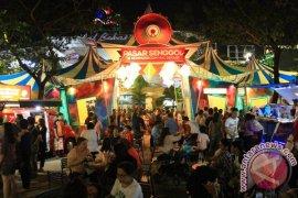 Menyicipi Sensasi Pasar Senggol Di Kota Metropolitan