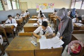 460 SMP di Bekasi siap laksanakan UNBK