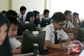 Ujian berbasis komputer baru bisa dilaksanakan di 24 sekolah di NTT