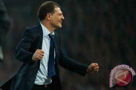 West Ham United pecat manajer Slaven Bilic