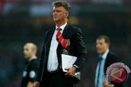 van Gaal kecam united yang membosankan di bawah asuhan Mourinho