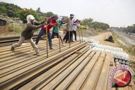 Proyek double-double track dilanjutkan