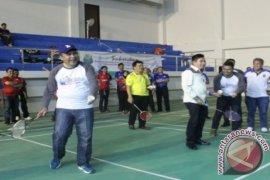 Kejuaraan Bulu Tangkis Piala Wali Kota Diikuti 319 Peserta