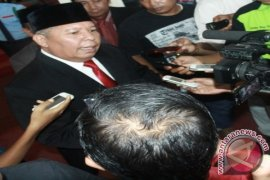Bupati Tanjabbar Safrial pastikan rombak pejabat