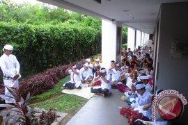 Piodalan di Ramada Encore Bali Seminyak