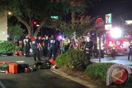 50 orang di kelab malam kaum gay tewas ditembak