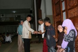 Ridho Jelaskan Program Pembangunan Sambil Safari Ramadhan