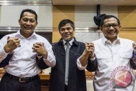 Tito Karnavian Disambut Netizen