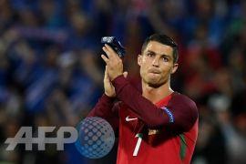 Portugal ungguli Spanyol 2-1 di babak pertama